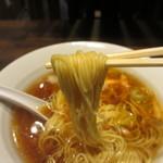 18635642 - チャーシューネギラーメン麺リフトアップ