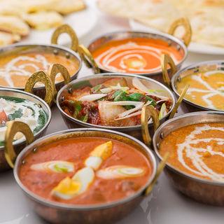 店内での宴会・パーティも承っております。皆様で、インド料理・ネパール料理を存分にお楽しみ下さい。
