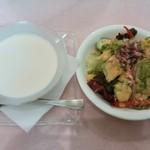 18637119 - ヴィシソワーズ コンソメジュレを添えて / 彩りサラダ(お得なセット)