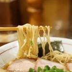 麺屋 KABOちゃん - 麺は細めのシャッキリ仕上げ