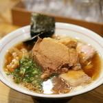 麺屋KABOちゃん - しもふり中華+トッピングは豚の手チャーシュー