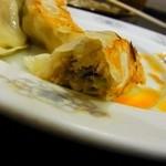ラーメン 亜麺坊 - 餃子(クーポンで無料)