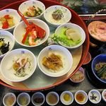 海の花 - 旬の八色丼 1800円(限定25食)