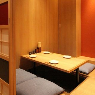 個室あり、掘りごたつ完備の寛ぎ空間