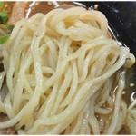 ラーメン コント - ちょっと柔らかめの麺。まあ麺の硬さは好みによる部分も大きいですからね。