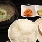 韓味家 - カルビスープ定食…ご飯は山盛(^_^