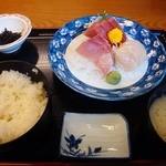 天婦羅 たる松 - 2013年4月。刺身定食【上】950円也。ご飯がうまいのよここ