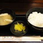 ひれとんかつの店 とん文 - ご飯&味噌汁も付きます  ※2013年4月