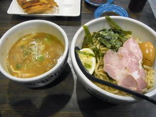 製麺処 蔵木 - 特製牛モツつけ麺