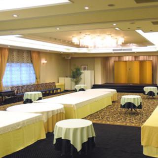 着席25名、50名、最大150名様着席の洋間宴会場