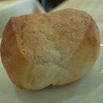 トゥルヌッソル - 最初は、プレーンな味のパン