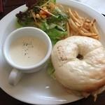 18674670 - クックスカフェ ベーグルサンドランチ ¥1000円