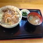 18677795 - 上州麦豚醤油麹漬丼700円