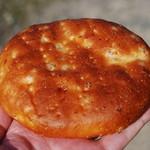 18678208 - もち麦のチーズパン