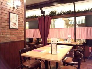銀座洋食 三笠會館 池袋パルコ店 - テーブル席全景