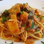 ヴィア ナポリ - 夏野菜のトマトソースのスパゲッティ