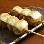 炭火焼鳥 西家 - つくねチーズ串