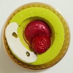 マールブランシュ  - 若葉《ピスタチオと木苺のケーキ》(真上から、2013年4月)