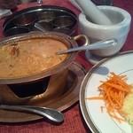 18689051 - マイルドで甘くて美味しい海老カレー、スパイス、サフラン御飯!♪