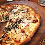 Kitchen GOOD!! - 【ランチ】照り焼きチキンとローストナッツ・ゴマの香りピザ