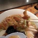 中華そば 高松食堂 - シナチクと麺!