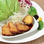 琉球居酒屋 南久宝寺 - ラフテー風 自家製豚の角煮