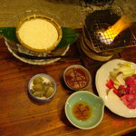 187302 - 網焼き和牛+ざる豆腐です