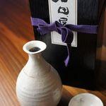 でん助 - 当店はマニアに人気の黒龍など珍しい日本酒も揃っています。窯元で直接買い付けてくる酒器でどうぞ!