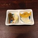 新・和歌山ラーメン ばり馬 - 4種類の漬け物が取り放題です。