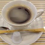 ラーフ - ホットドックセットのコーヒー