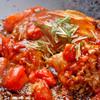 ぼて茶屋 - 料理写真:ごろごろトマトのソースをかけていただくトマトお好み焼きは女性に大人気!!