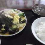 18715138 - きくらげ肉玉定食840円