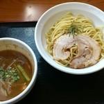 くろ川 - つけ麺(あつもり)  750円