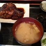 里の宿 - 赤カレイの煮付け定食
