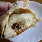 カスタネット - クリームチーズレーズン(生地がいいね)