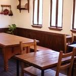 プチメゾン  - 1階のカフェスペース