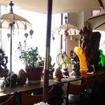 ほんとのインド料理とカレーの店 - カウンタはお飾りスペース