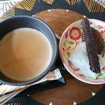 ほんとのインド料理とカレーの店 - マサラチャイとお茶菓子