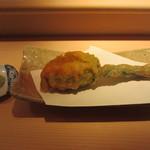 18725640 - 花ズッキーニに、芝海老のすり身、アンキモを挟んで揚げたもの