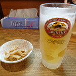 ビストロde麺酒場 燿 - 生ビール(メンマ付き)