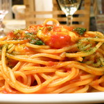 ITALIAN BAR BASIL - フレッシュトマトとバジルのトマトパスタ500円