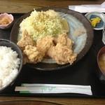 味民 - から揚げ定食(550円)