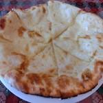 ゴラカリ - 必ず注文するチーズナン