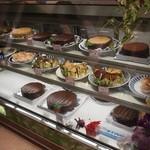 アロハ洋菓子店 - 手作りのラインナップ