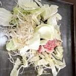 亀八食堂 - カルビ、ロース、牛ホルモン