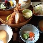 かつ太郎 - レディース膳(1554円)