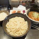 ぶっこ麺らーめん - 平日ランチサービスのご飯と漬物付いた一式