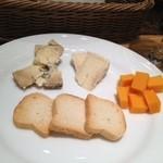 18751174 - チーズ盛り合わせ
