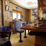 18752943 - テーブル席及び入口方向