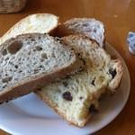 18757862 - パンは食べ放題^^
